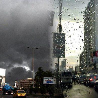کراچی: شہر کے مختلف علاقوں میں بارش کے بعد موسم خوش گوار