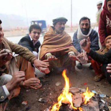 اف سردی ہائے سردی ملک بھر میں ٹھنڈی اور خون جمادینے والی ہواؤں کا راج
