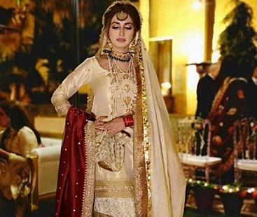 ایمان علی بابر بھٹی، روایتی عروسی لباس میں استقبالیہ تقریب