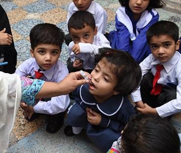 سندھ کے تمام اسکول بچوں کو پولیو ویکسین دینے کے پابند ہیں، مراد علی شاہ