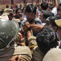 بھارتی بربریت، مقبوضہ وادی میں چھ ہزار کشمیری مسجدوں میں پناہ لینے پرمجبور