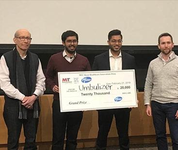پاکستانی انجینیئروں  نے کم قیمت والا وینٹی لیٹر ایجاد کر کے انعام اپنے نام کرلیا