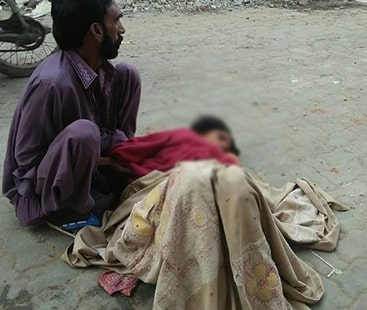 پاکستان میں سالانہ 12 ہزار خواتین اور 16700 بچے دوران زچگی ہلاک