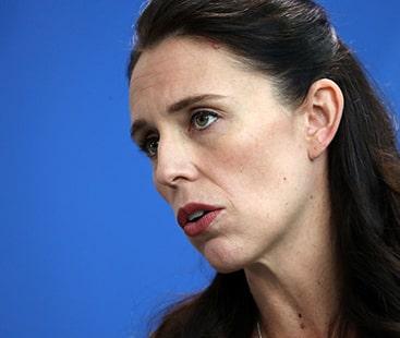 وزیراعظم نیوزی لینڈ جیسنڈا آرڈرن کا نیم خود کارہتھیاروں پر پابندی کا اعلان