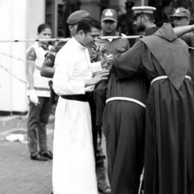 سری لنکا میں قیامت: گرجا گھروں اور ہوٹل دھماکوں میں 207 افراد ہلاک