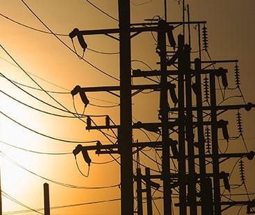 حکومت نے ایک اور مہنگائی بم گرا دیا، پیٹرول کے بعد بجلی کی قیمت میں اضافہ
