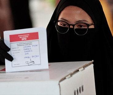 انڈونیشیا میں صدارتی، پارلیمانی اور بلدیاتی انتخابات کے لیے ووٹنک شروع