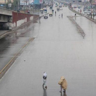 پشاور، آندھی اور بارش کے باعث 6جاں بحق، درجنوں زخمی