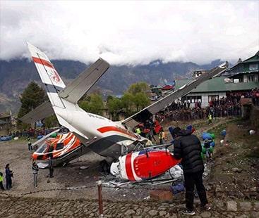 نیپال ائیر پورٹ پر طیارہ رن وے پر ہیلی کاپٹر سے ٹکرا گیا،3افراد ہلاک