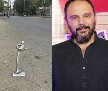 لکس اسٹائل ایوارڈ ایک اور تنازعہ :ہدایت کار جامی نے اپنا ایوارڈ سڑک پر پھینک دیا