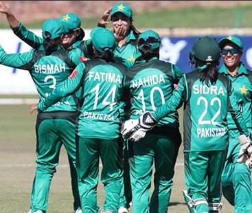 پاکستانی ویمن کرکٹ ٹیم نے جنوبی افریقا کو 8 ووکٹوں سے شکست دے دی