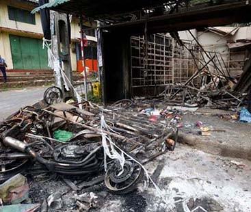 سری لنکا میں مسلمانوں کی دکانوں کو نذر آتش کر دیا گیا