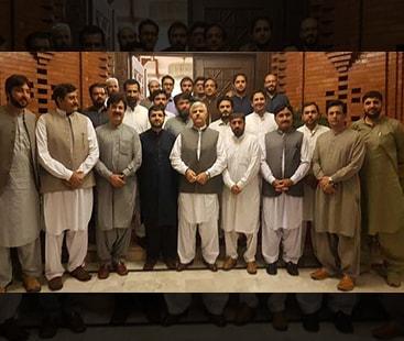پشاور: حکومت سے مذاکرات کامیاب، ڈاکٹرز کی ہڑتال ختم آج سے فرائض انجام دیں گے