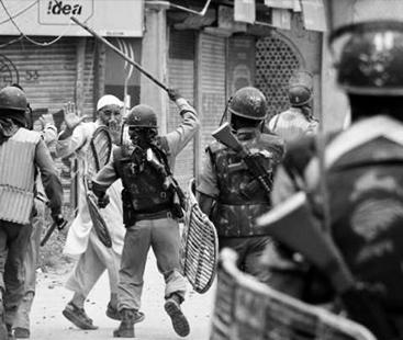 لہو لہو کشمیر: بھارتی بربریت رمضان میں بھی جاری مزید 4 افراد شہید