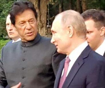 وزیراعظم عمران خان کی روسی صدر ولادیمیر پیوٹن سے غیر رسمی ملاقات