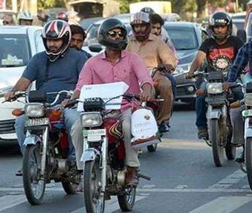 کراچی میں 'ہیلمٹ کی پابندی' مہم کا آج سے آغاز