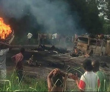نائیجیریا میں پیٹرول ٹینکر میں دھماکے سے 50 افراد ہلاک، 100 سے زائد زخمی