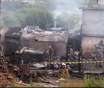 راولپنڈی میں تربیتی طیارہ آبادی پر گر گیا،18 افراد جاں بحق، 16 زخمی