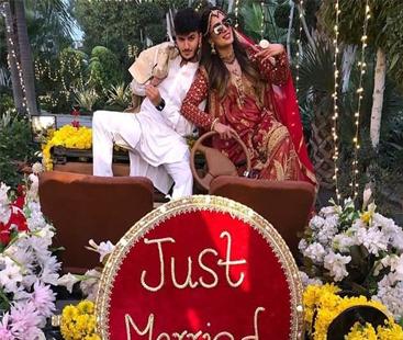 کینیڈین یوٹیوبر شاہ ویر جعفری اور مہوش حیات کی شادی کی تصاویر سوشل میڈیا پر
