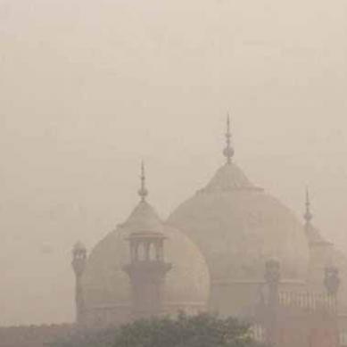 لاہور میں شدید اسموگ، فضائی آلودگی میں پہلے نمبر پر