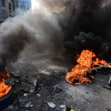 عراق میں احتجاج: کربلا میں مظاہرین کا ایرانی قونصلیٹ پر حملہ