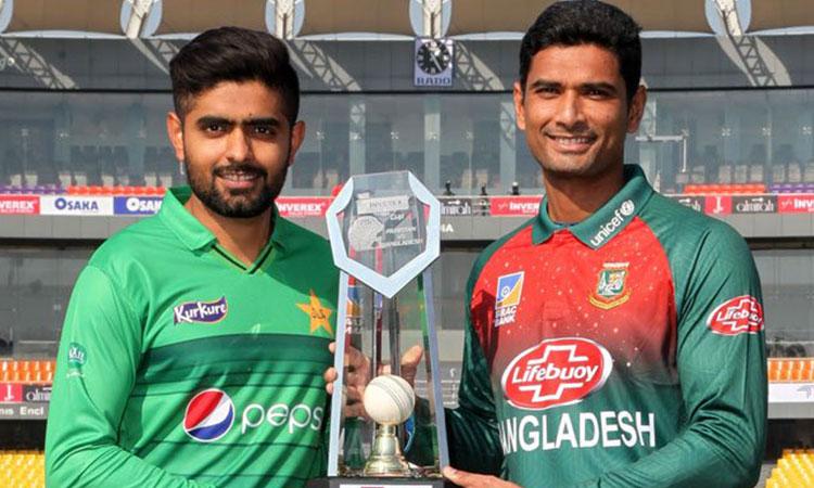 ختم ہوا انتظار سج گئے ہیں میدان پاکستان 11 سال بعد پاکستان اور بنگلادیش ٹکرانے کو تیار