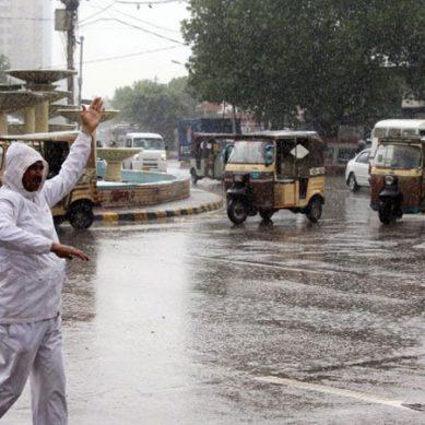 کراچی میں غیرمتوقع بارش سے موسم خوشگوار ، سردی کی شدت میں اضافہ