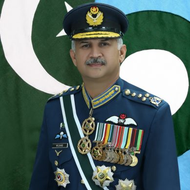 ائیر چیف مارشل مجاہد انور خان کا اعظم خان کےانتقال پر اظہار افسوس
