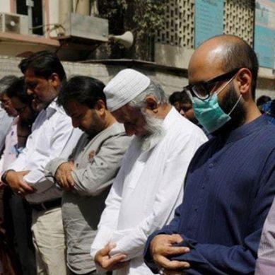 کراچی سمیت سندھ بھر میں آج نماز جمعہ گھروں میں ادا