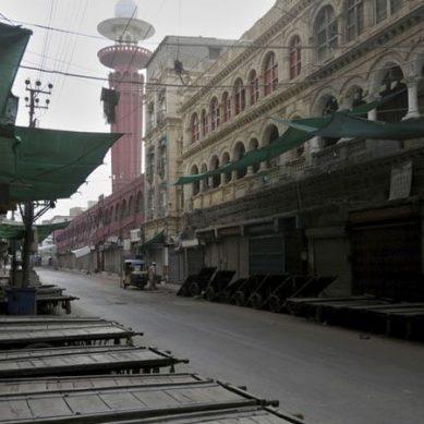 کورونا وائرس : سندھ میں لاک ڈاؤن کا پہلا روز ، خلاف ورزی کرنے والے افراد بھی گرفتار