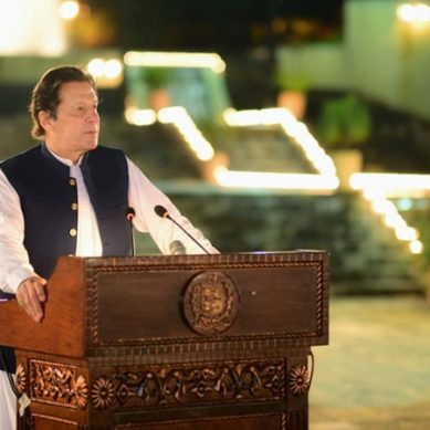 حکومت کہیں نہیں جارہی، اپنی مدت پوری کرے گی: وزیراعظم
