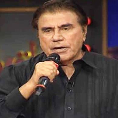 معروف ٹی وی میزبان طارق عزیز انتقال کرگئے
