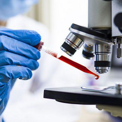 امریکا کا رواں سال کے آخر تک کورونا ویکسین بنانے کا دعویٰ