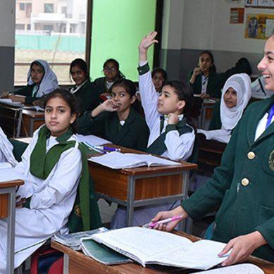 سندھ حکومت نے اسکول 15 اگست سے کھولنے کی تردید کردی