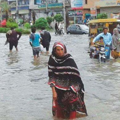 موسلا دھار بارشوں نے پنجاب والوں کی آنکھیں کھول دیں