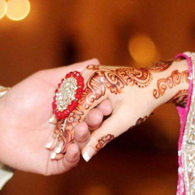 شوہر کی دوسری شادی پر پہلی بیوی خوشی سے نہال