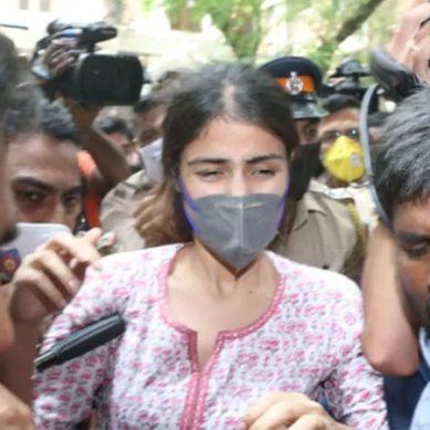 سوشانت سنگھ راجپوت خودکشی کیس: ریا چکروتی کو گرفتار کرلیا گیا