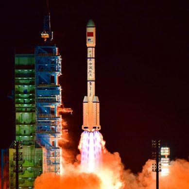 چین کو ٹیکنالوجی میں اہم ترین کامیابی،خلائی جہاز کی کامیاب لینڈنگ