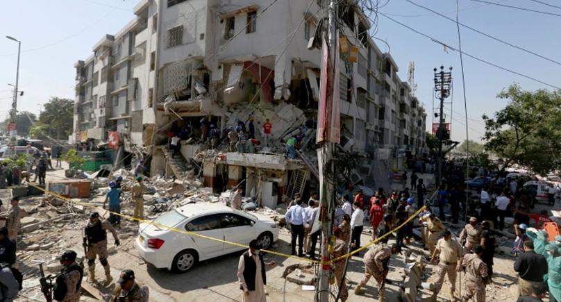 کراچی میں دھماکے :دہشت گردی یا حادثہ