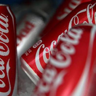 کوکا کولا نے پاکستانی گلوکار کا گانا چرا لیا