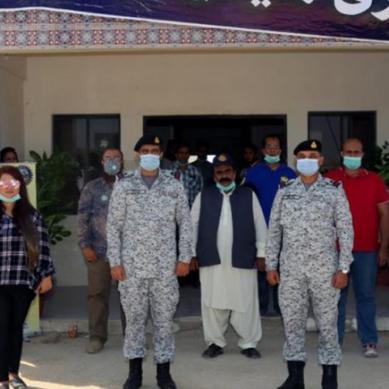 پاک بحریہ کی جانب سے مبارک ولیج کراچی میں مفت میڈیکل اور آئی کیمپ کا قیام