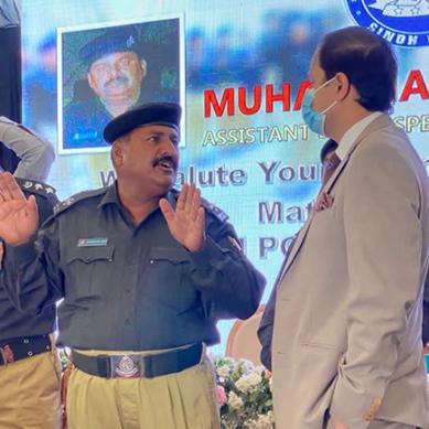 ملک کے ہیرو کشمور پولیس کے اے ایس آئی کو 20 لاکھ روپے کا انعام