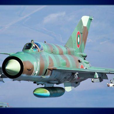 جنگی جنون میں مبتلا بھارت کا ایک اور طیارہ گر کر تباہ