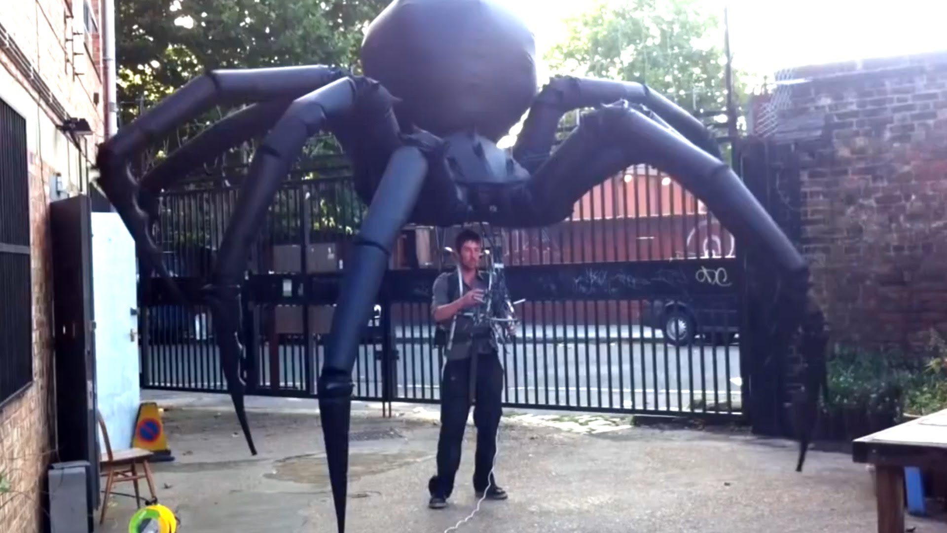 The most terrifying spider puppet