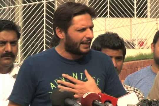 Shahid Afridi donation Peshawar Earthquake