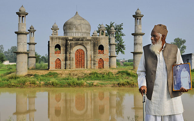 A man builds Taj Mahal's replica for his wife