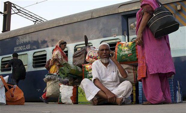 Pakistani passengers stranded at New Delhi Railway Station due to cancellation of Samjhota Express