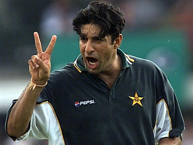 Wasim Akram bowling after 10 years