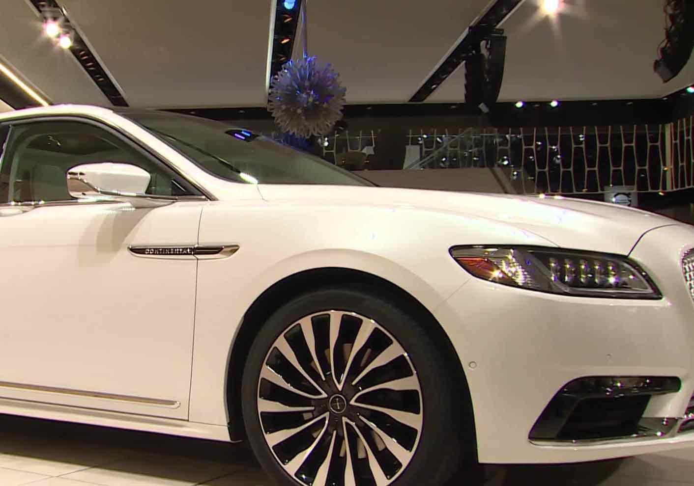 Driverless Cars Showcased In Detroit