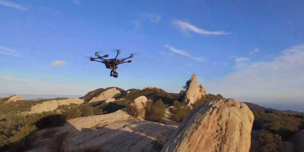 this-impossible-to-crash-drone-follows-you-around-in-real-time